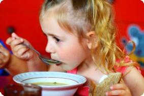 Основные правила питания ребенка до десяти лет