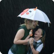 Без чего не обойтись малышу осенью? Покупаем зонтик, дождевик, сапожки