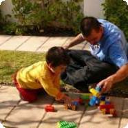 Зачем учить ребенка играть самостоятельно?