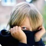 Застенчивый ребенок: будущий лузер?